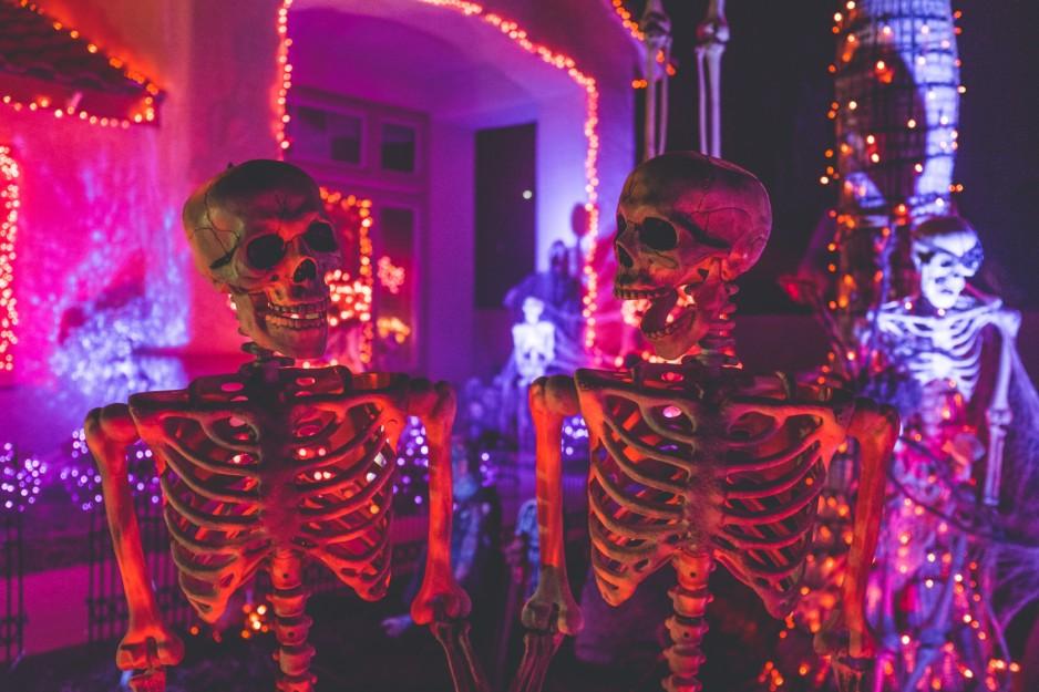 Survey Reveals 2018's Hottest Halloween Costumes